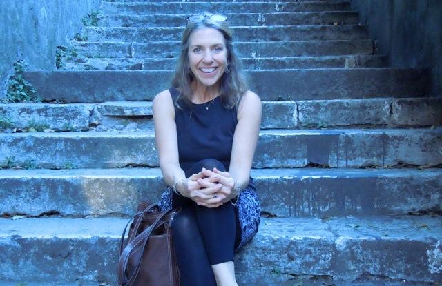suzi on italian stairs